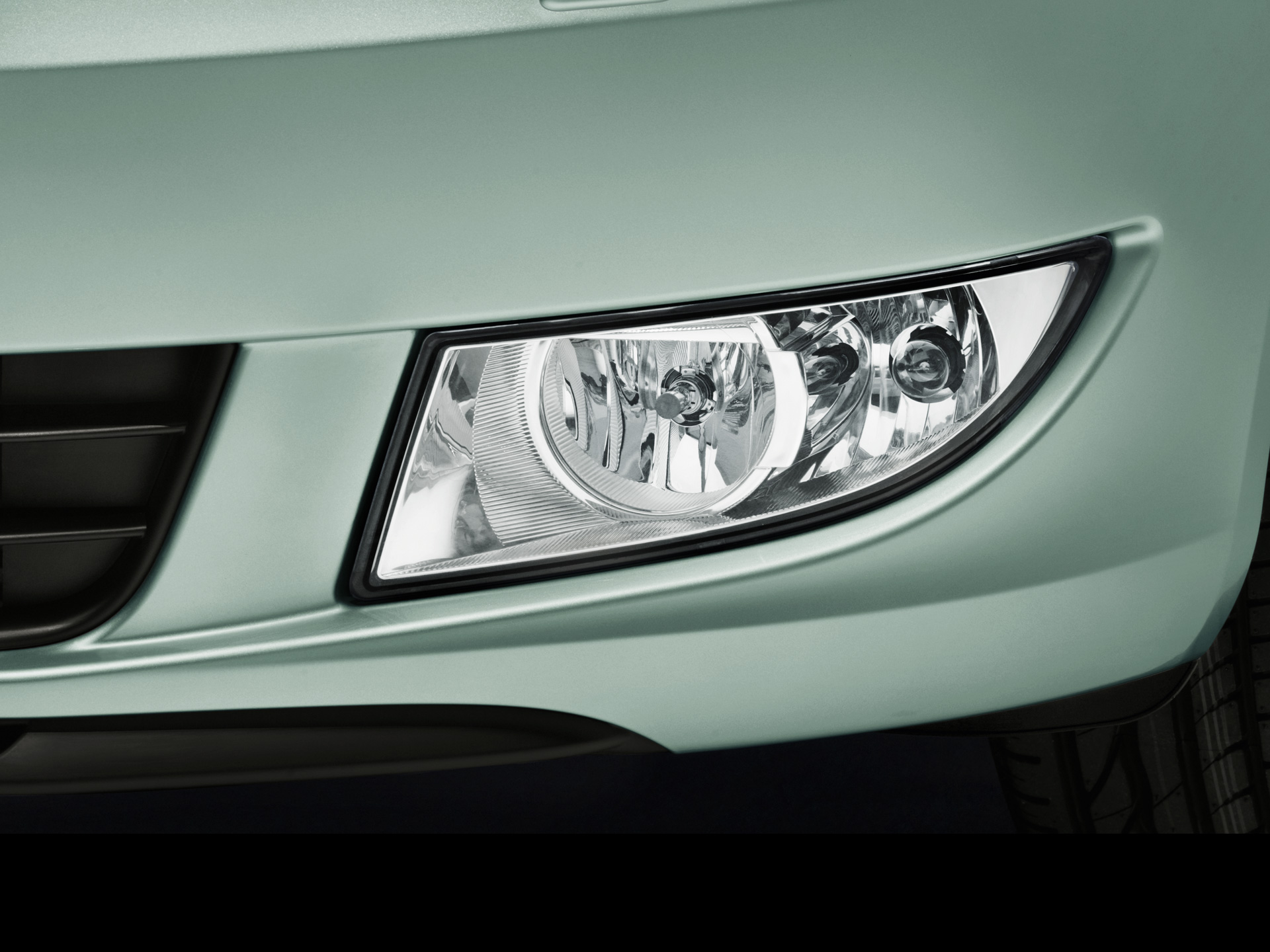 ŠKODA Fabia front fog headlamps with Corner function