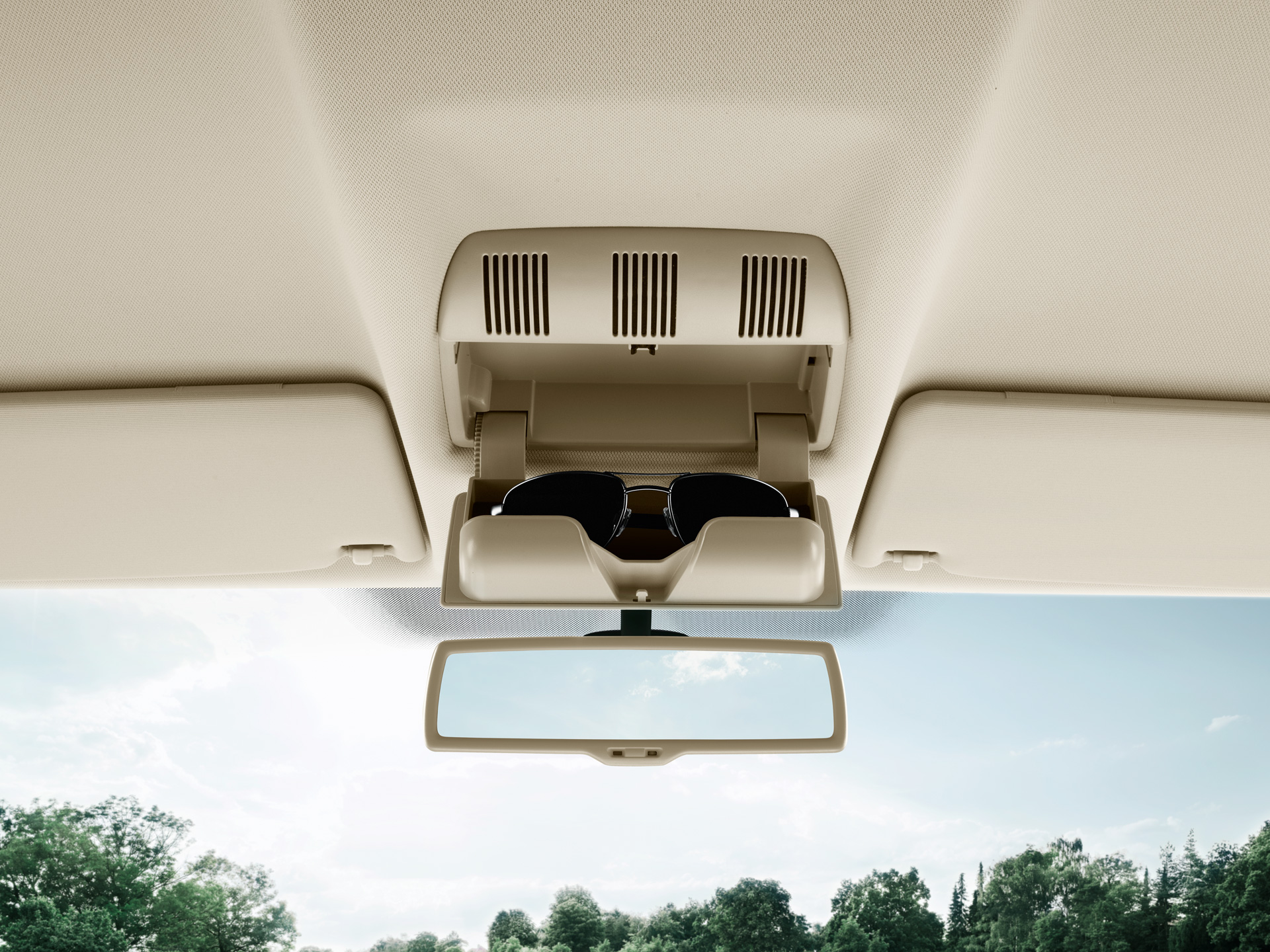ŠKODA Octavia Sunglasses Compartment