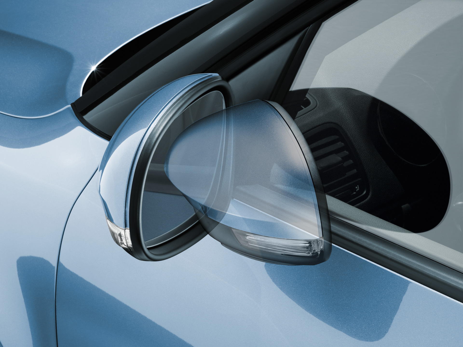 ŠKODA Yeti Automatically retractable external rearview mirrors with boarding spots designed to illuminate the entry area